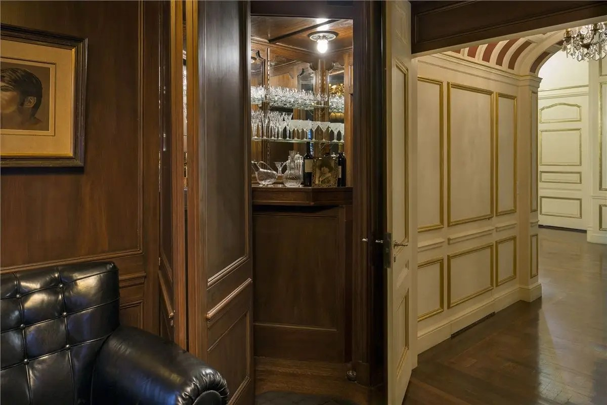 Here's a look at the concealed Prohibition-era bar that's hidden behind a door in the library.