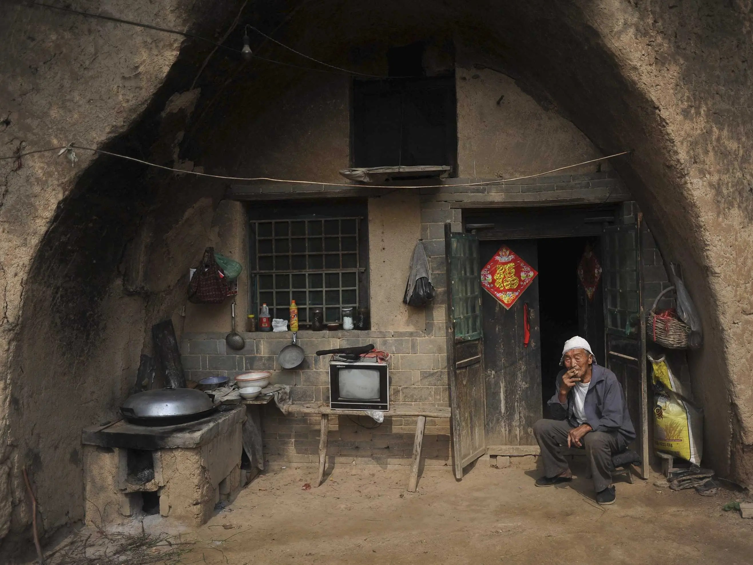Over 30 million people in China live in caves: that's more than the population of Saudi Arabia.