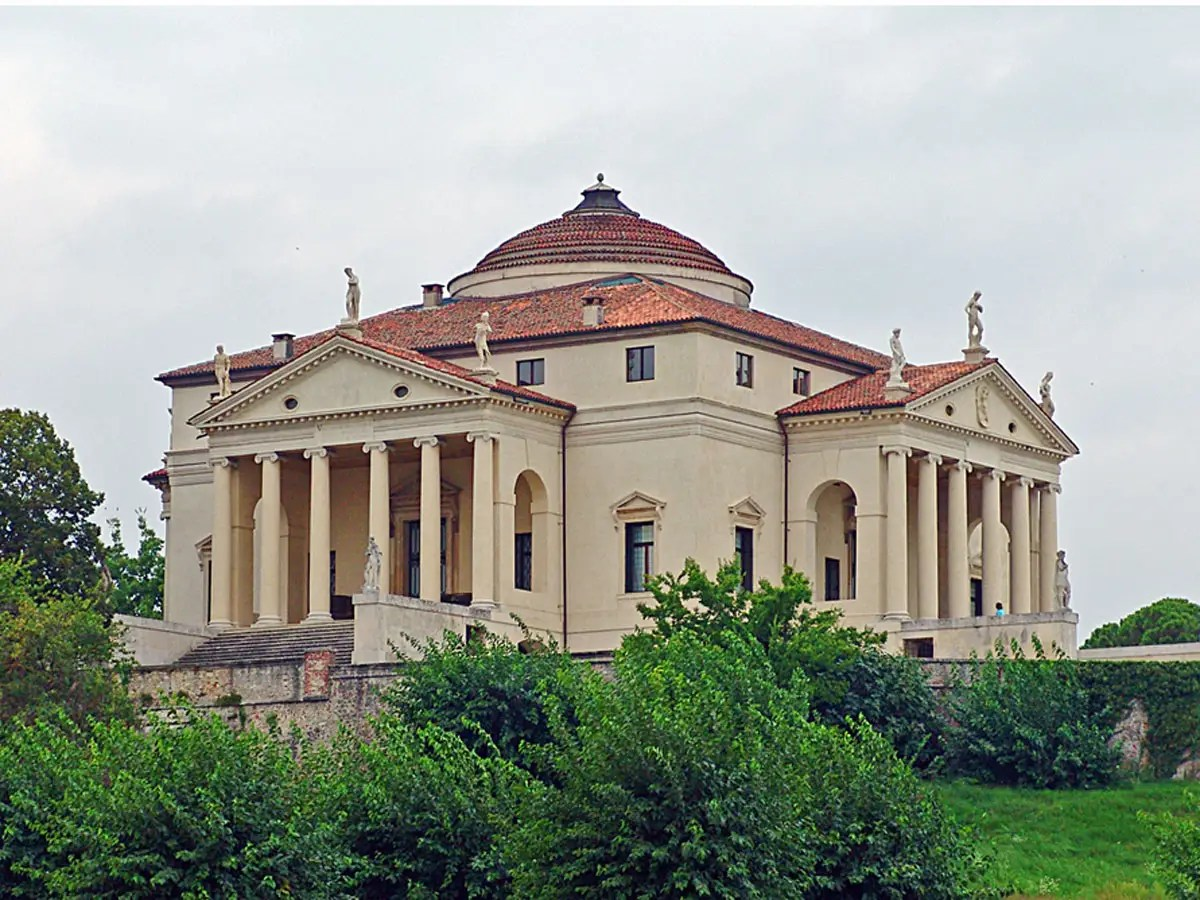 Tour the gorgeous Palladian villas of the Veneto, which were designed by Renaissance architect Andrea Palladio.