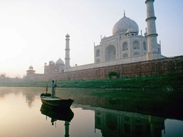 """""""India is not a place for investors, but it's a fabulous country for tourists"""""""