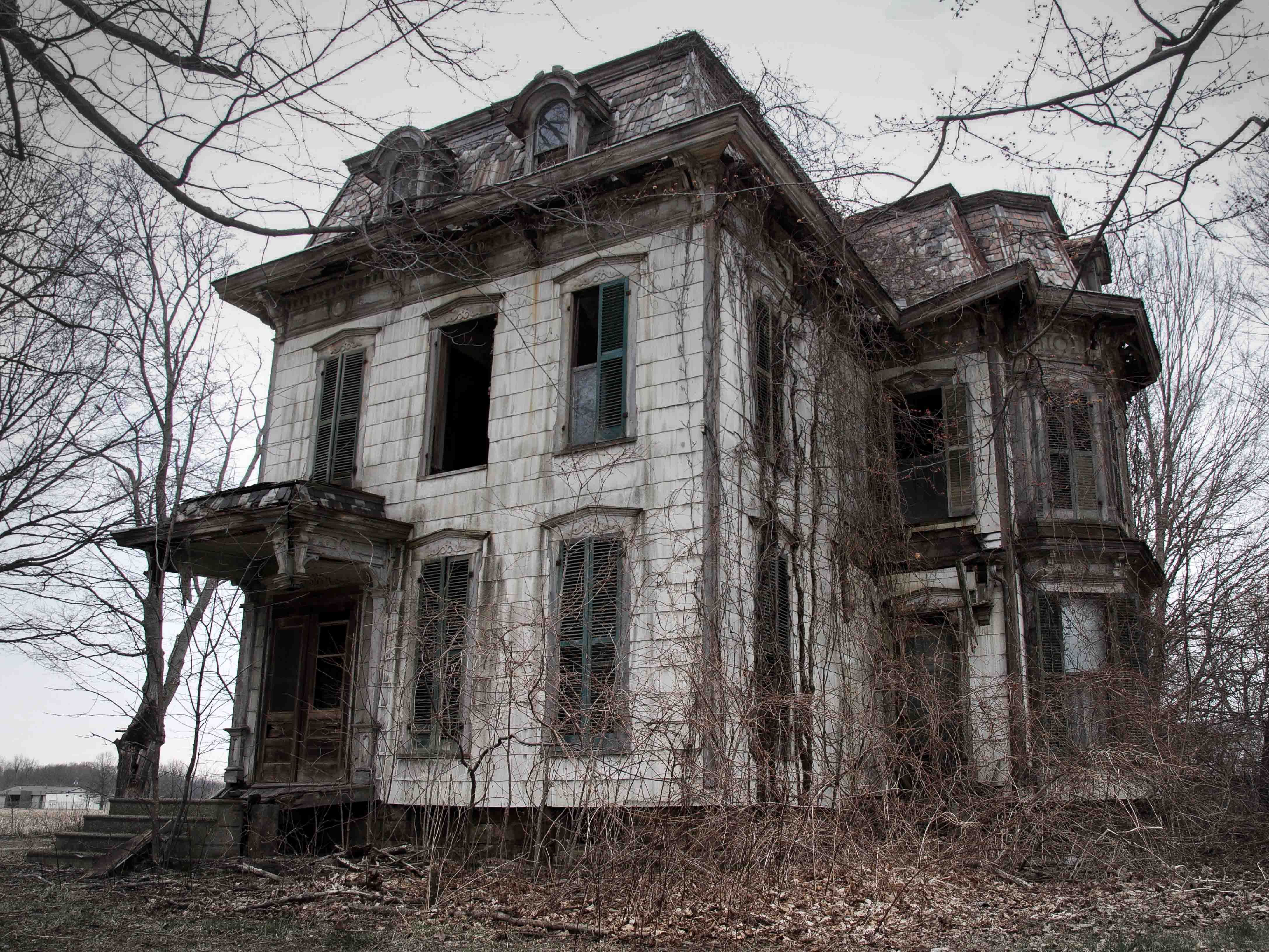 It is frequently suspected that this Ohio house is where local witches practice their craft. The original owner, known as the Milan Witch, is rumored to be buried underneath the front porch.