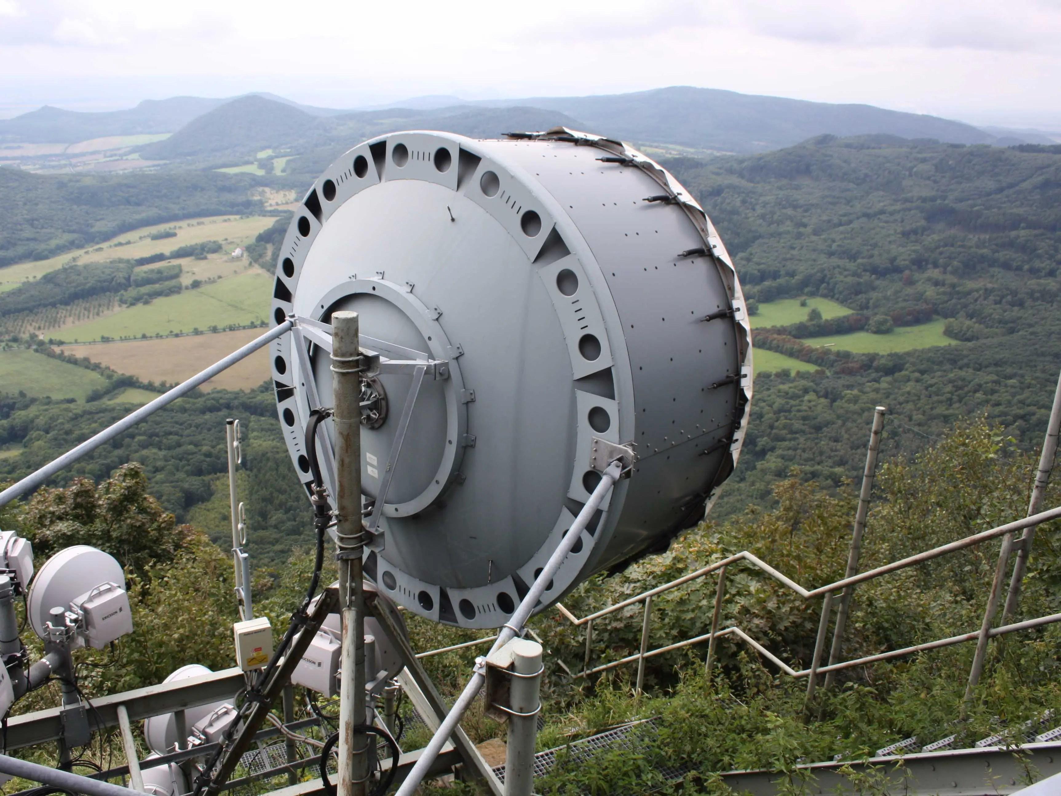 microwave satellite dish