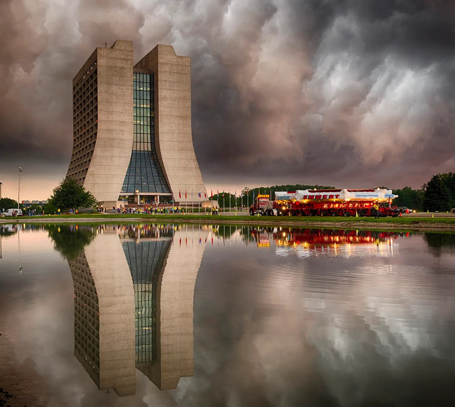 29 Amazing Physics Photos Taken Over 29 Years At Fermilab