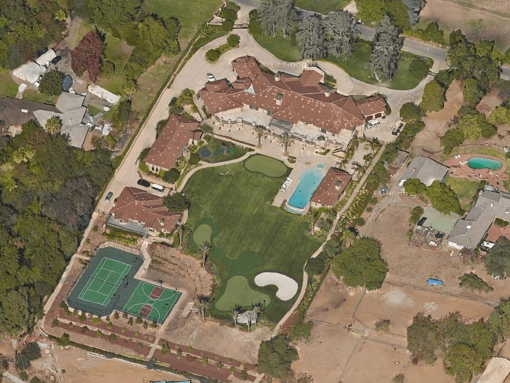 Snyder now lives with Ellingson in this Los Angeles home that she bought for $17.4 million in 2012. The home features 7 bedrooms, 16 bathrooms, a tennis court, basketball court, indoor batting cage, movie theater, infinity pool, and an eight-car garage.