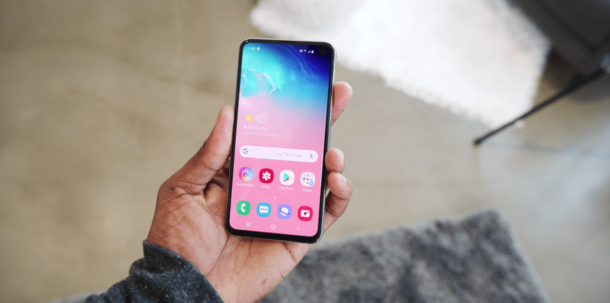 I tried Samsung's newest smartphones, the Galaxy S10, S10+, and S10e — and there's a clear winner