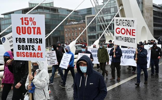 Protesters take part in a 'Brexit' protest in Dublin to demand an increase in fishing quotas in Irish waters.