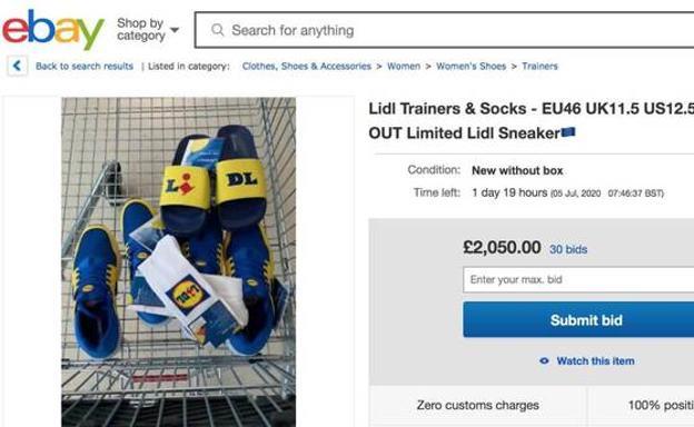 Un usuario de eBay Reino Unido vende zapatillas y calcetines por un precio abusivo.