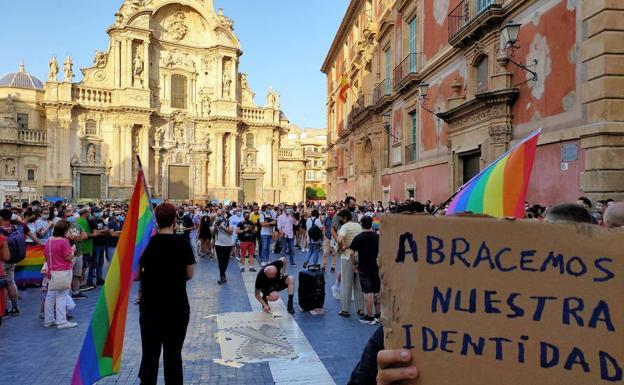 Concentration in the Cardenal Belluga square in Murcia.