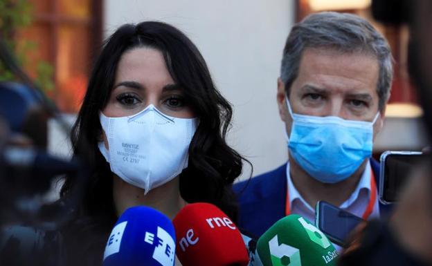 The leader of Ciudadanos, Inés Arrimada, attends the media