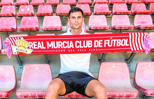 Miguel Serna, Real Murcia goalkeeper, last week at the Enrique Roca stadium.