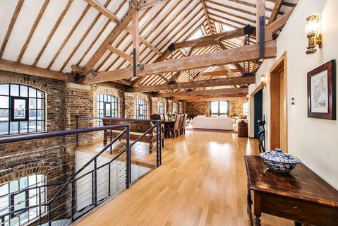 A Duplex Loft By London S