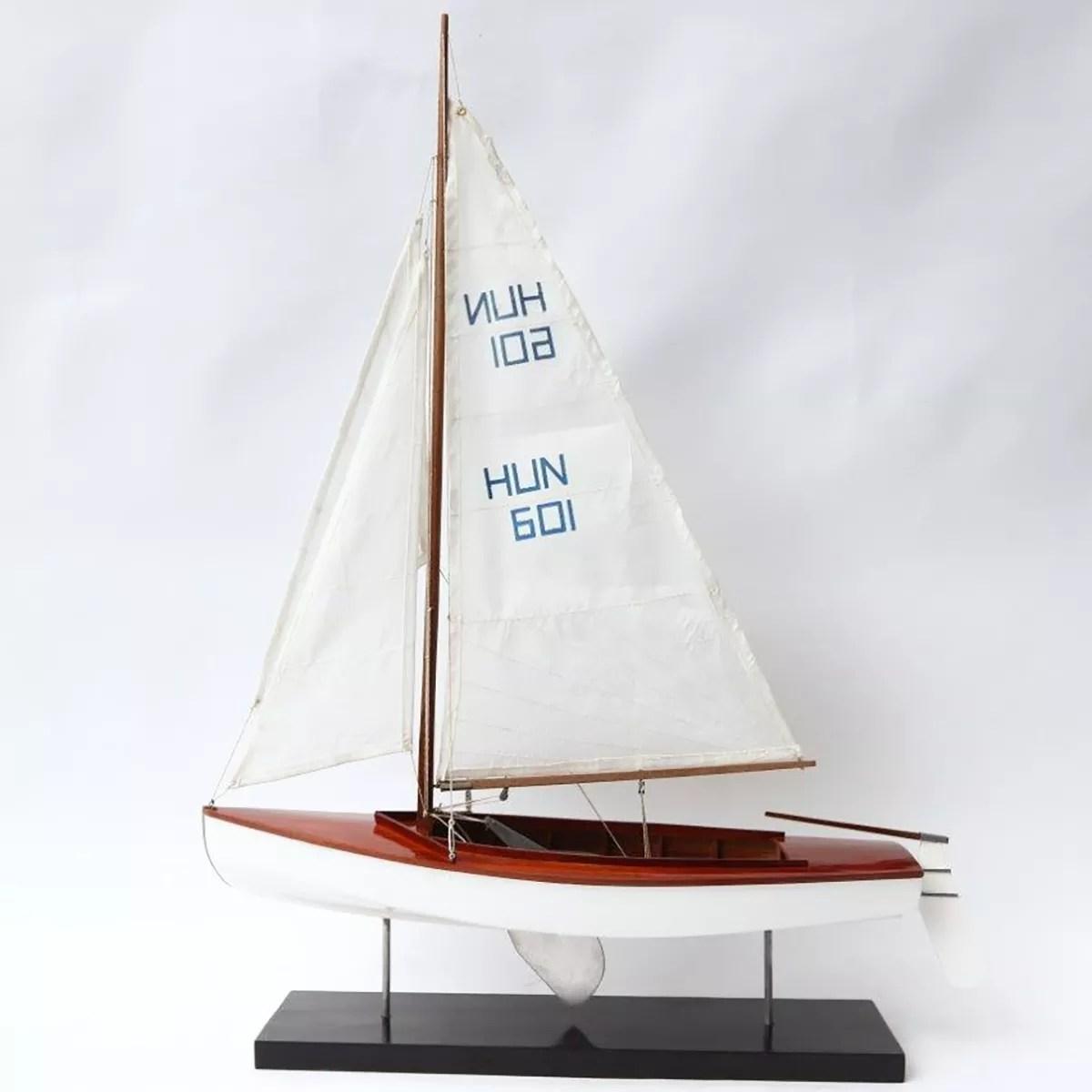 Kalóz vitorlás makett L45 Balatoni hajómakett