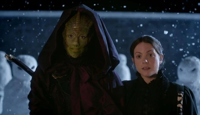 https://i2.wp.com/static3.wikia.nocookie.net/__cb20130505044335/tardis/images/c/c6/Lizard_Woman_From_The_Dawn_Of_Time_And_Wife.jpg