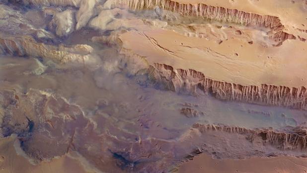 Imagen compuesta de una parte de Valles Marineris. Las dimensiones verticales están exageradas cuatro veces