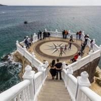 Benidorm.- Una joven cae al mar desde un mirador en Benidorm mientras se hacía un selfi