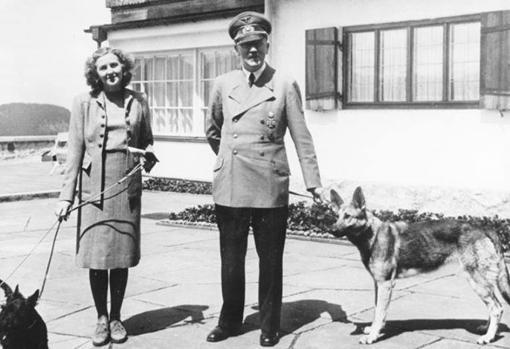 Hitler y Eva, en el Berghof