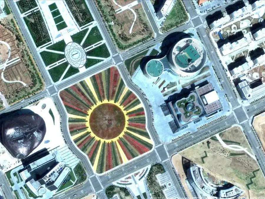 "Despite the ""ghost"" areas, Ordos hosted the Miss World beauty pageant in 2012 (it does not lack in impressive public buildings)."