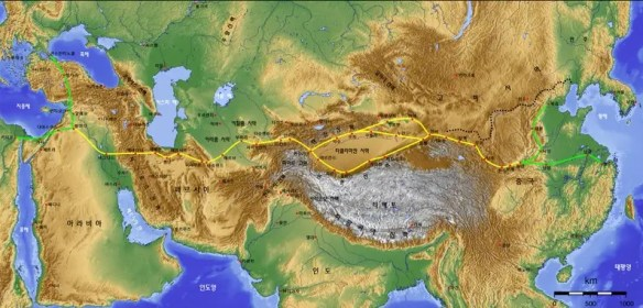 """$6.5 BILLION: China is one out several countries that signed a contract to re-construct the ancient """"Silk Road"""" linking China and India with Europe"""