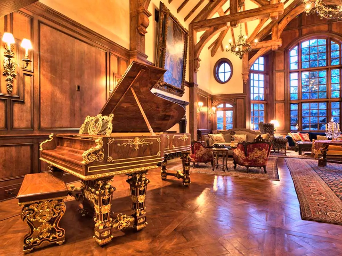95% of the home's furnishings and antiques are included in the sale price, including an 1879 Steinway grand piano, four Rembrandt paintings, and a wine cellar door from Hearst castle.