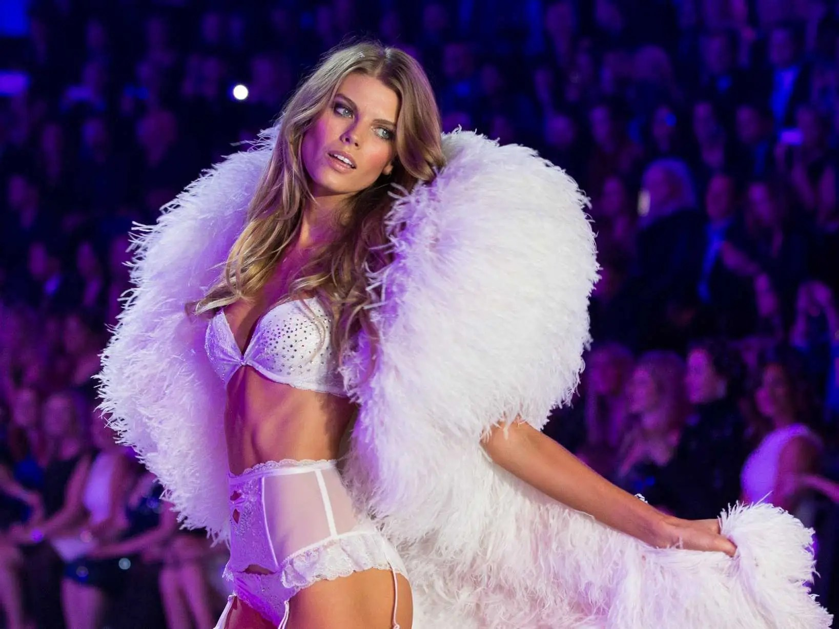 https://i2.wp.com/static4.businessinsider.com/image/528434eceab8eae678dda6f5/51-photos-from-the-2013-victorias-secret-fashion-show.jpg