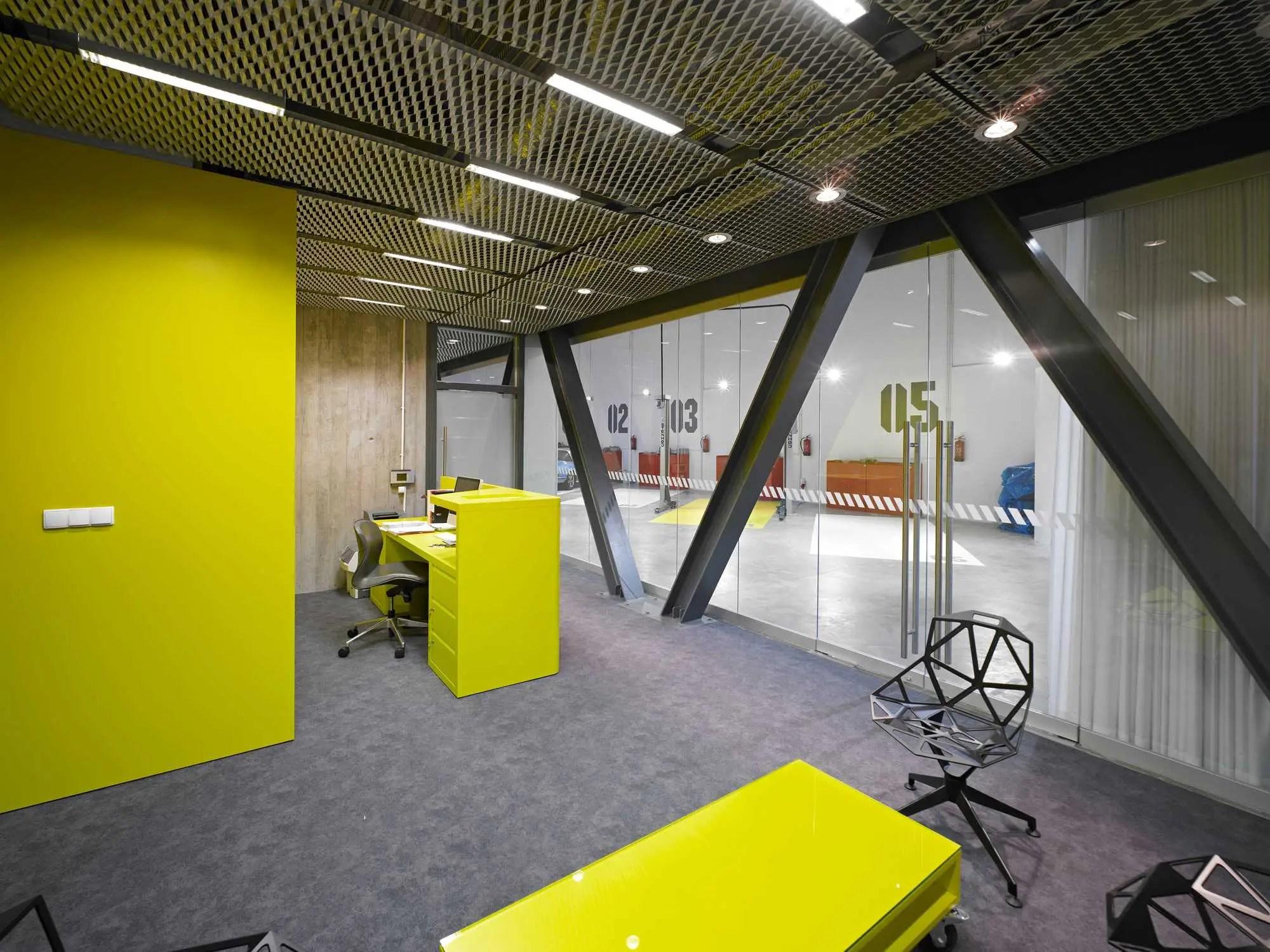 INTERIOR ARCHITECTURE: Office-Garage, Poland