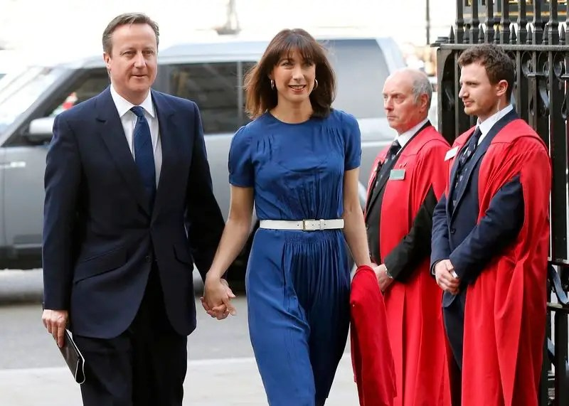 Britain's Prime Minister David Cameron and his wife Samantha arrive at Westminster Abbey for a thanksgiving service on the final day of 70th anniversary Victory in Europe (VE) day commemorations in central London May 10, 2015. REUTERS/Suzanne Plunkett