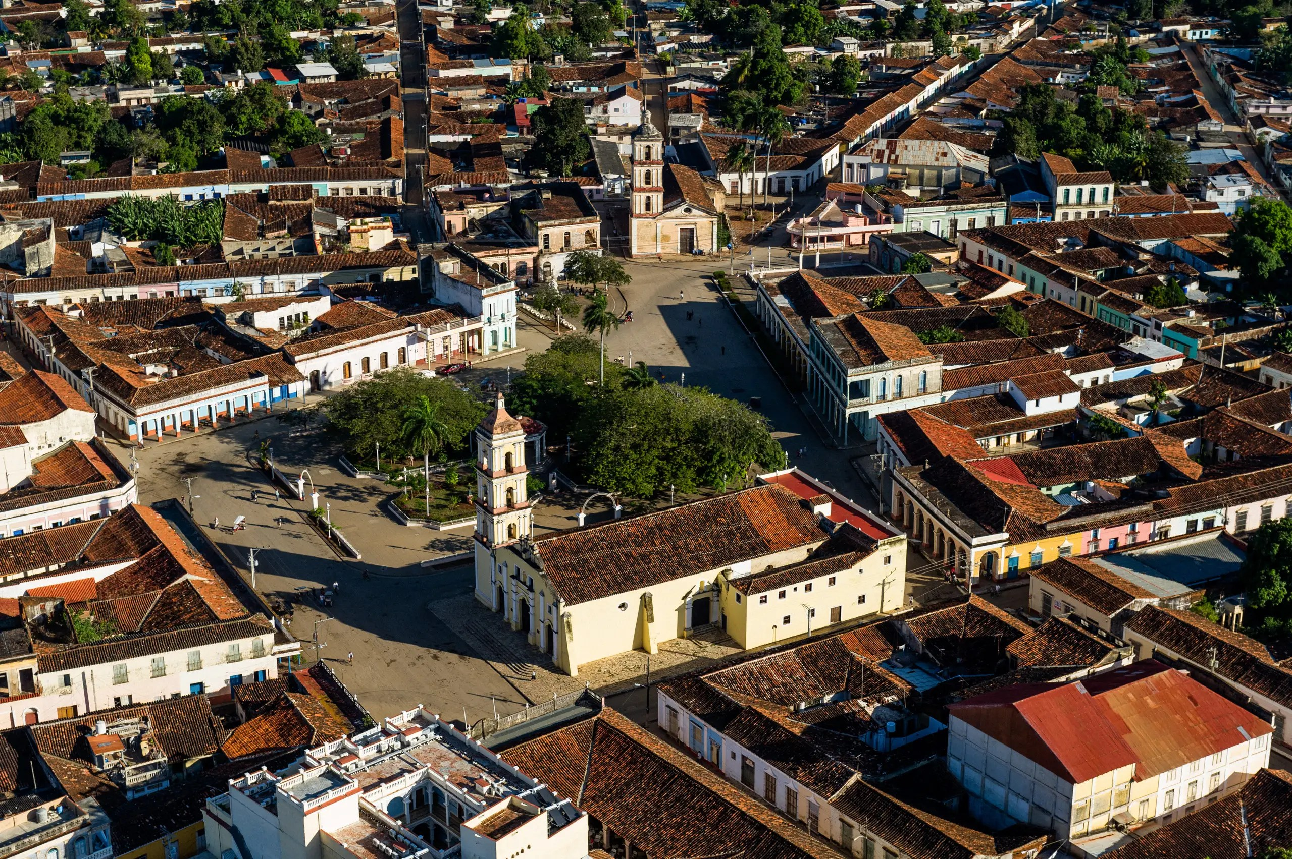 It took two years for Jovaisa to gain approval from the Cuban government to photograph the country from the air.