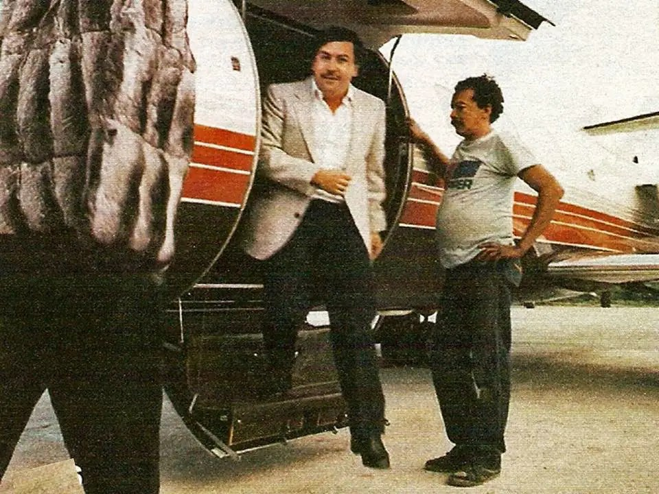 2. Escobar made the Forbes' list of international billionaires for seven years straight, beginning in 1987 until 1993. In 1989, he was listed as the seventh richest man in the world.