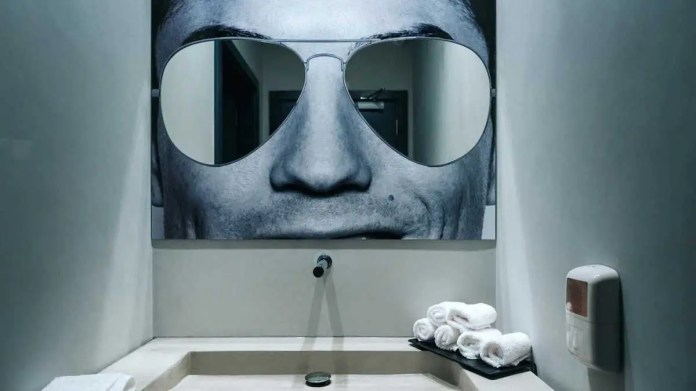 In the bathroom, guests can look into Ronaldo's eyes to check their makeup.