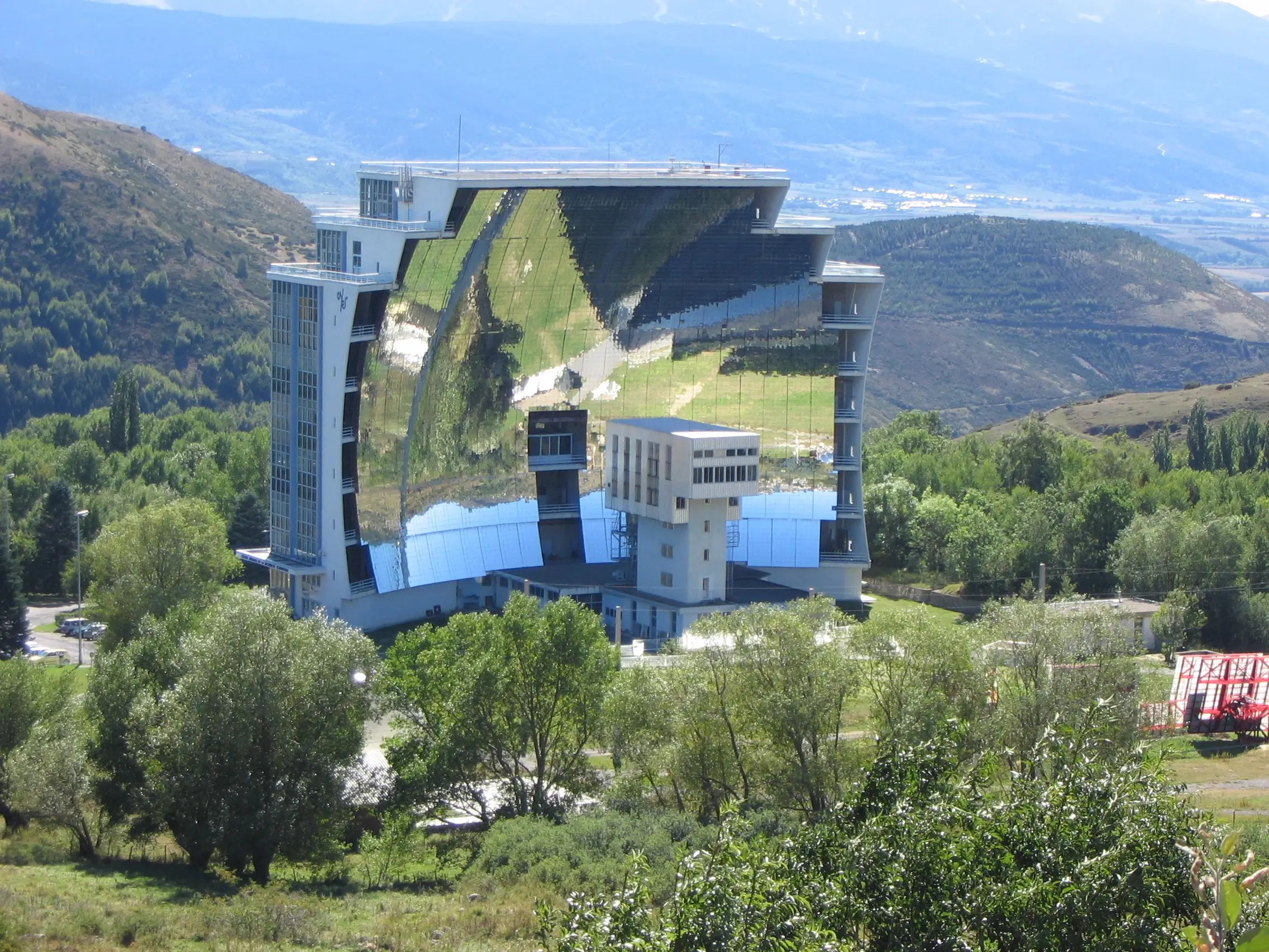 7. The world's largest solar furnace can be found in Odeillo, France. It can reach temperatures of more than 3,000 degrees Celcius.