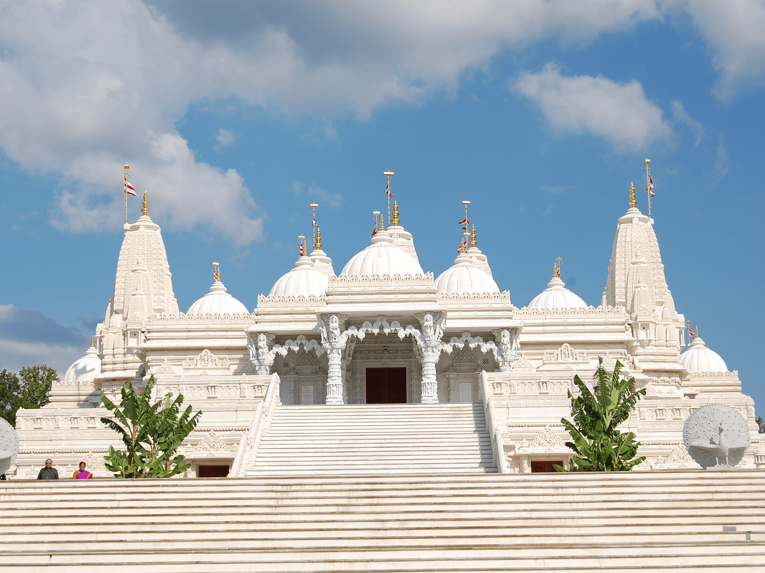 Sometimes our mental picture of certain regions doesn't fit reality. The largest Hindu temple — the BAPS Shri Swaminarayan Mandir — is located in Atlanta, Georgia.