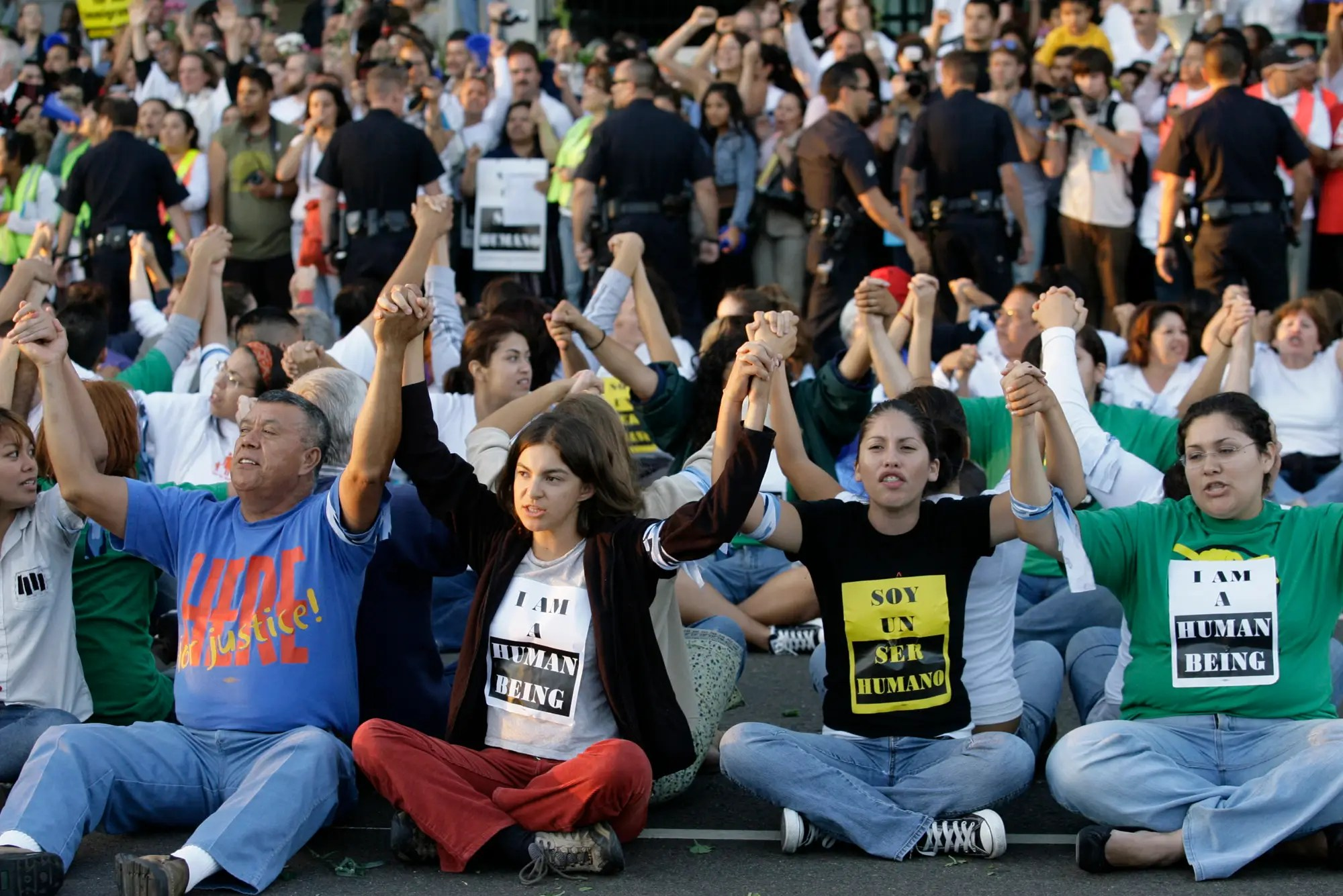 Protests related to immigrant rights grew in the early 2000s. In 2006, hundreds of thousands of people protested against anti-immigration legislation in cities around the US, including Los Angeles and Chicago.