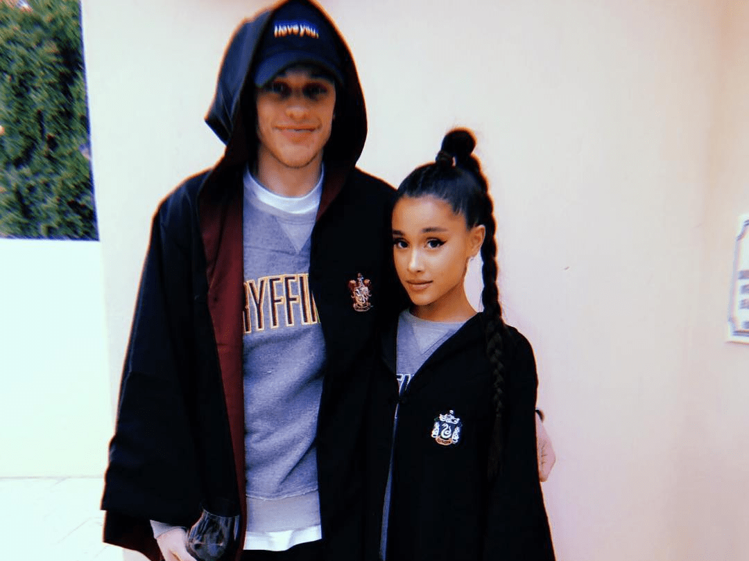 pete davidson ariana grande harry potter robes