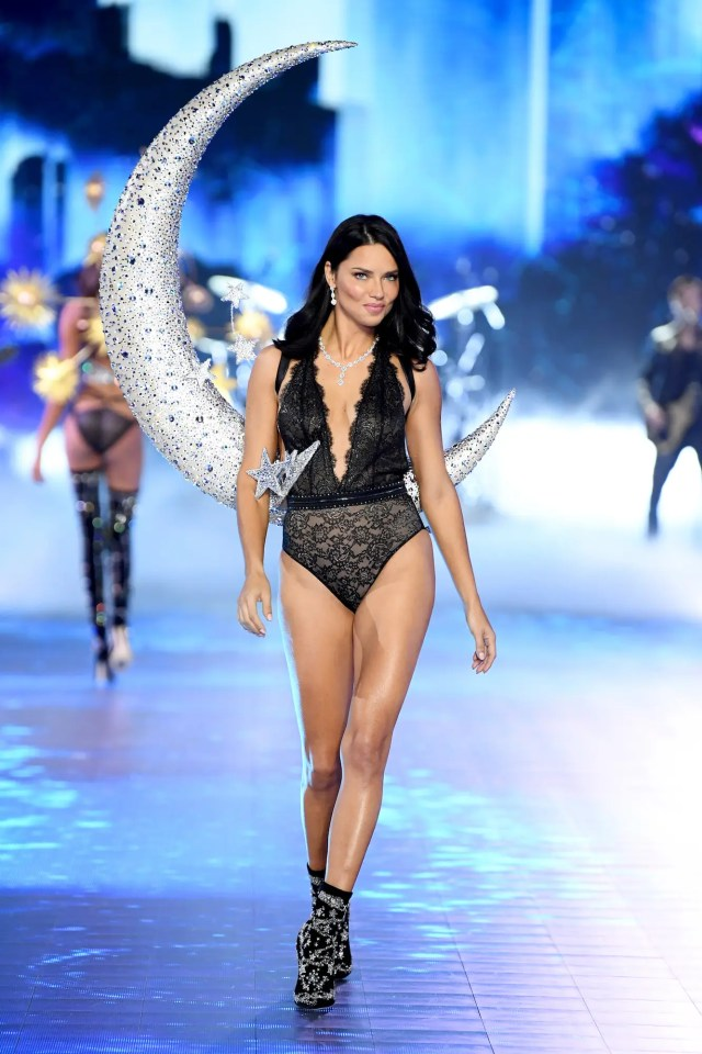 adriana lima victorias secret fashion show 2018