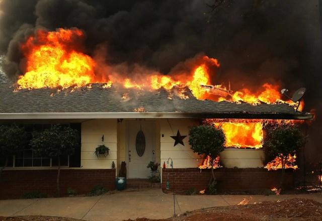 camp fire burns paradise, CA home nov 8 18