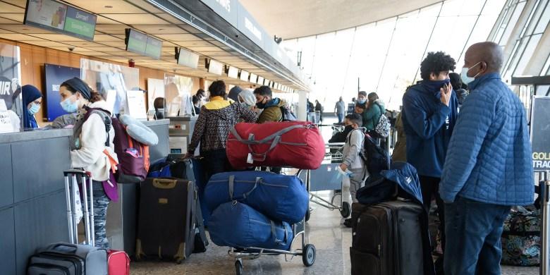 airport mask coronavirus travel