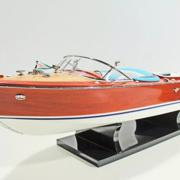 Riva Aquarama festett makett L60 Motorcsónak makett