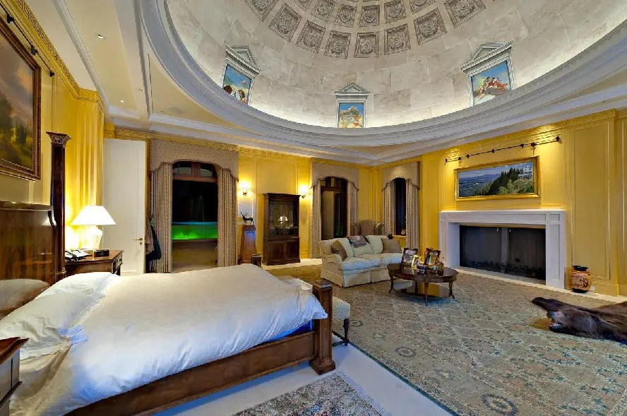 We think this is the master bedroom. It reminds us of Caesar's Palace.