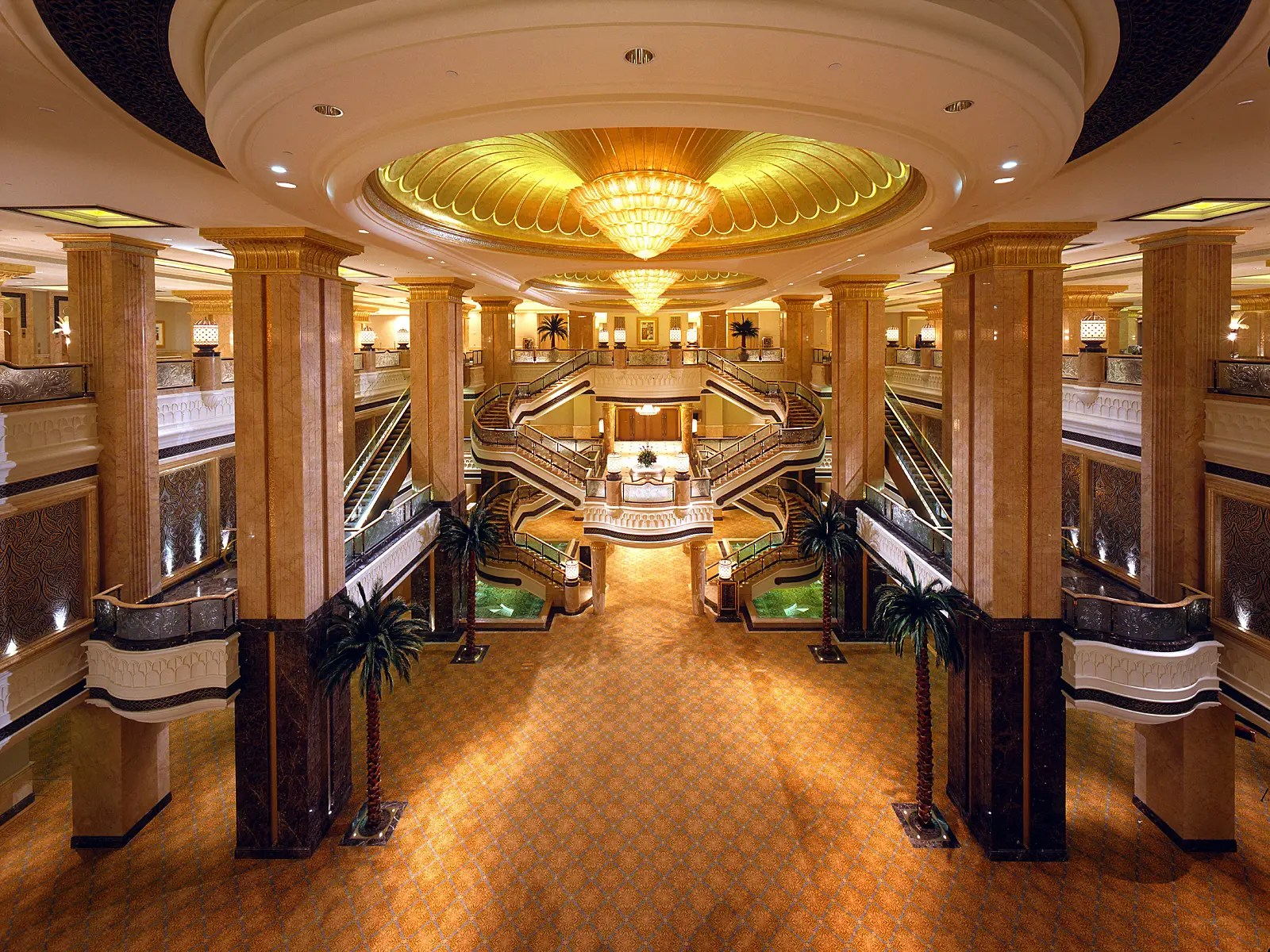 There are over 394 rooms and suites, ranging from 592 square feet to 7,319 square feet.