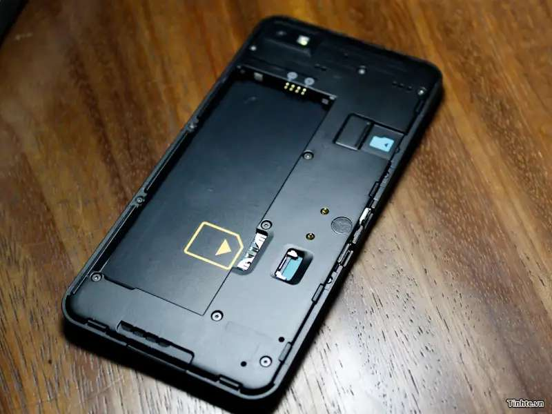 Here's what the phone looks like without the back cover. There's a slot for a memory card and SIM card.