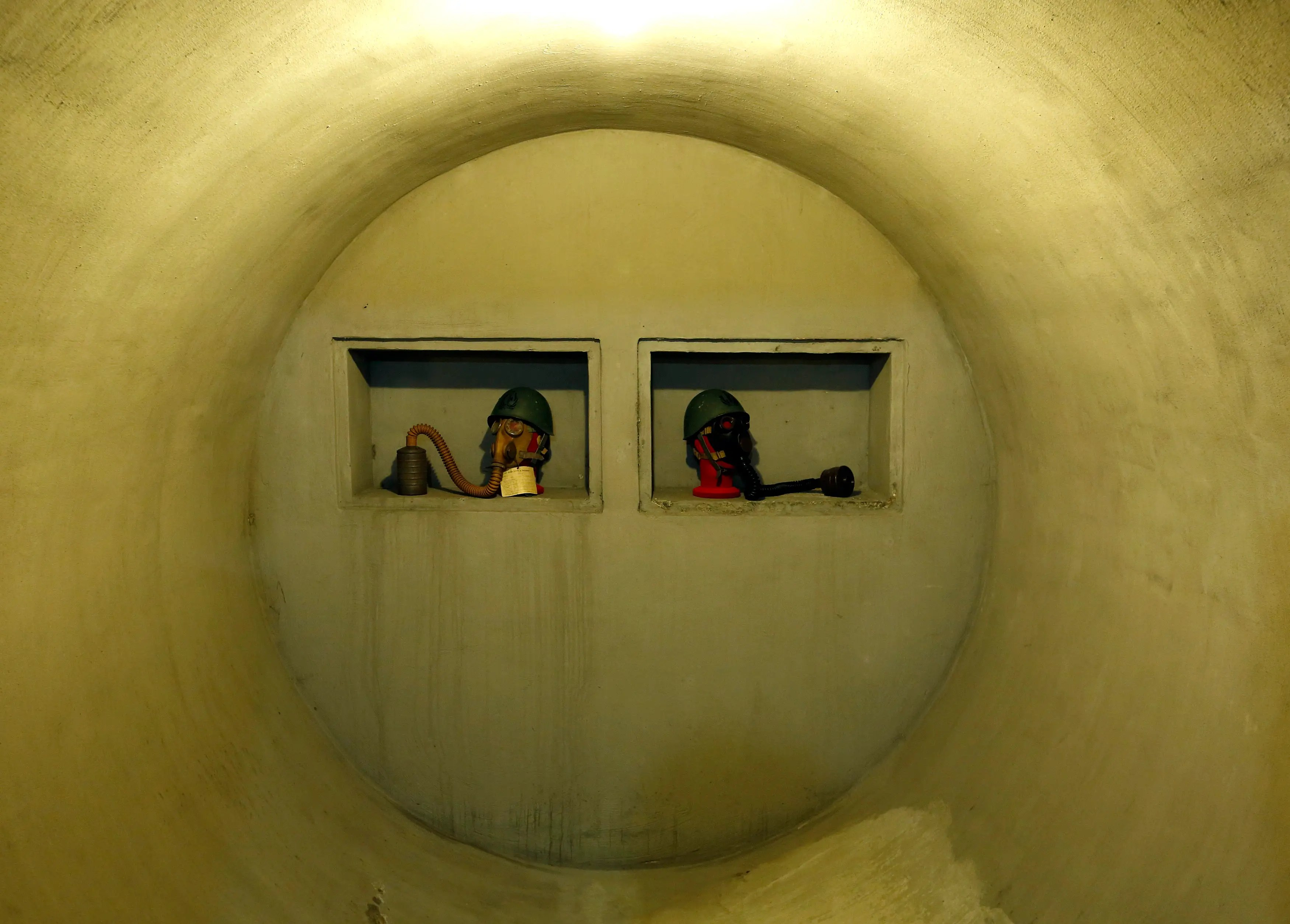 The bunker was transformed from a wine cellar. Corriere della Sera wrote that Mussolini complained that the bunker was not ready by the time his regime fell.