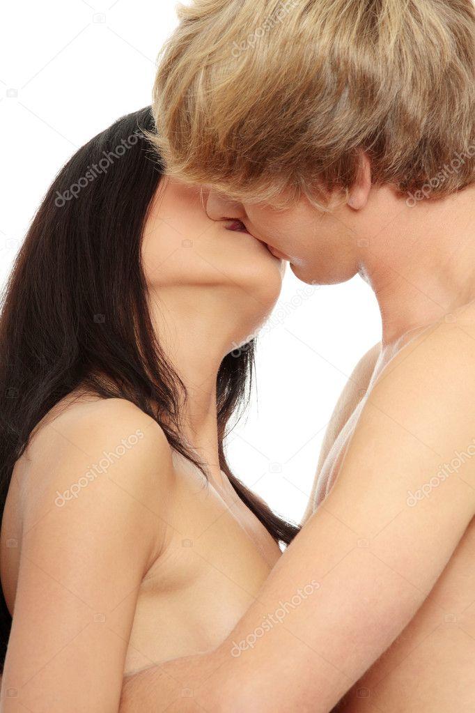 https://i2.wp.com/static5.depositphotos.com/1003556/523/i/950/depositphotos_5232261-Naked-couple-kissing.jpg