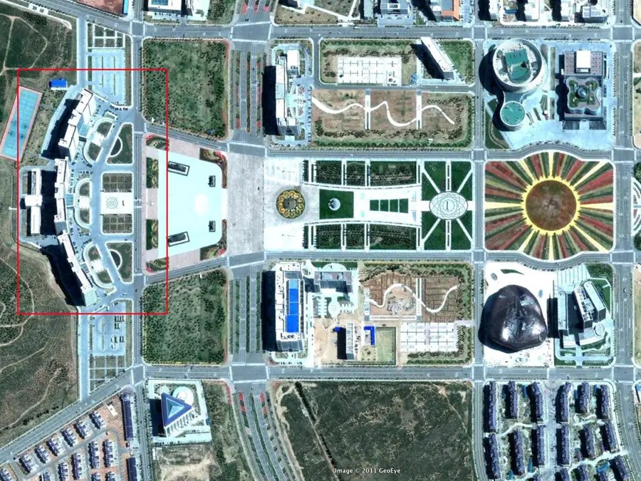 No cars in ORDOS, except for those parked at the glamorous government center
