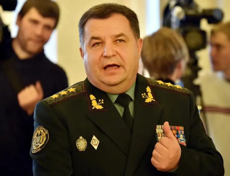Stepan Poltorak accuses pro-Russian rebels backed up by Moscow of assembling a 40,000-strong army sufficient for a