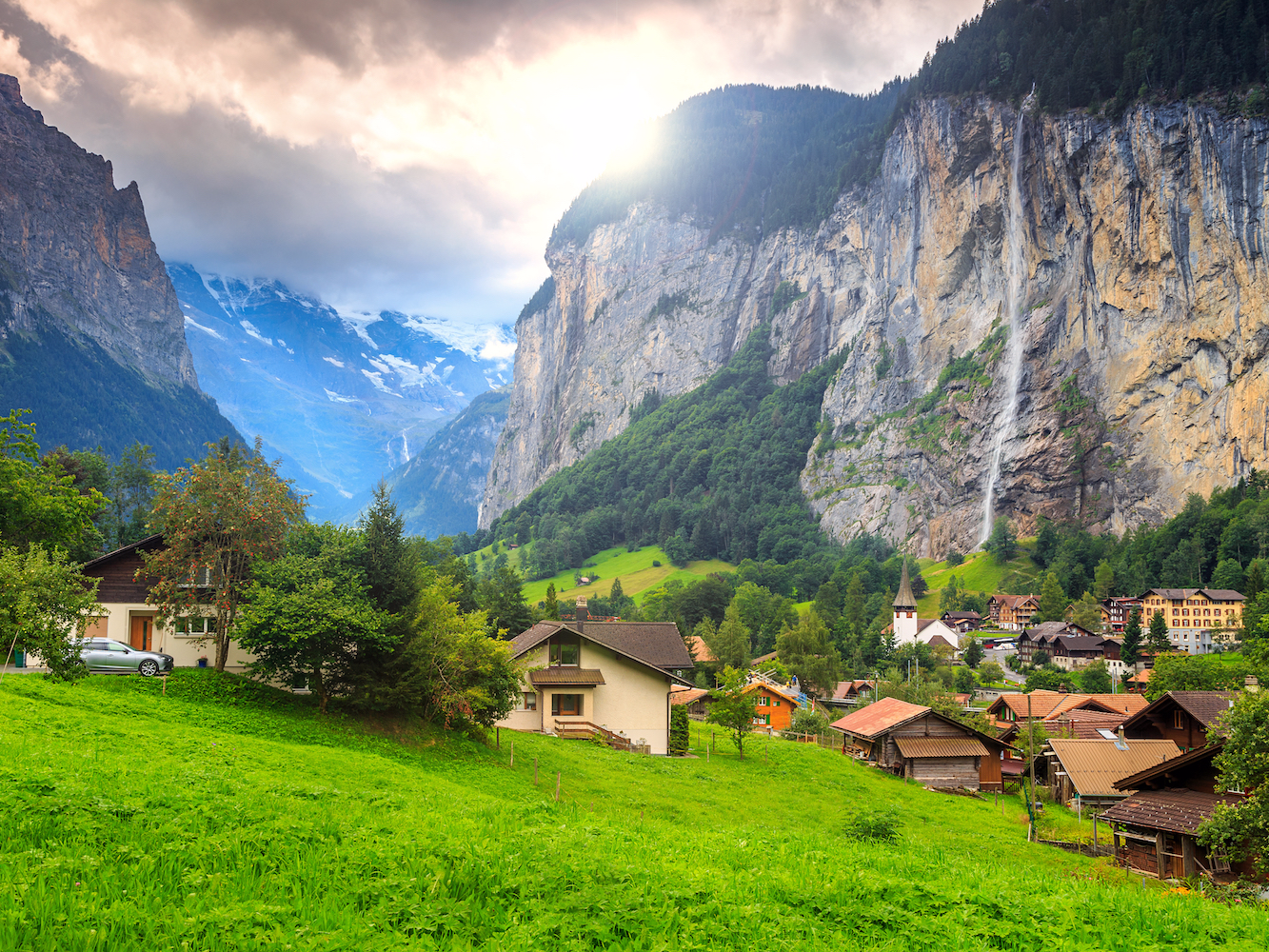 For smaller waterfalls, take a trip to Lauterbrunnen, the site of the Staubach Falls, a narrow waterfall that flows almost 1,000 feet through mountain crevices before dropping onto cliffs that hang over the Lütschine River.