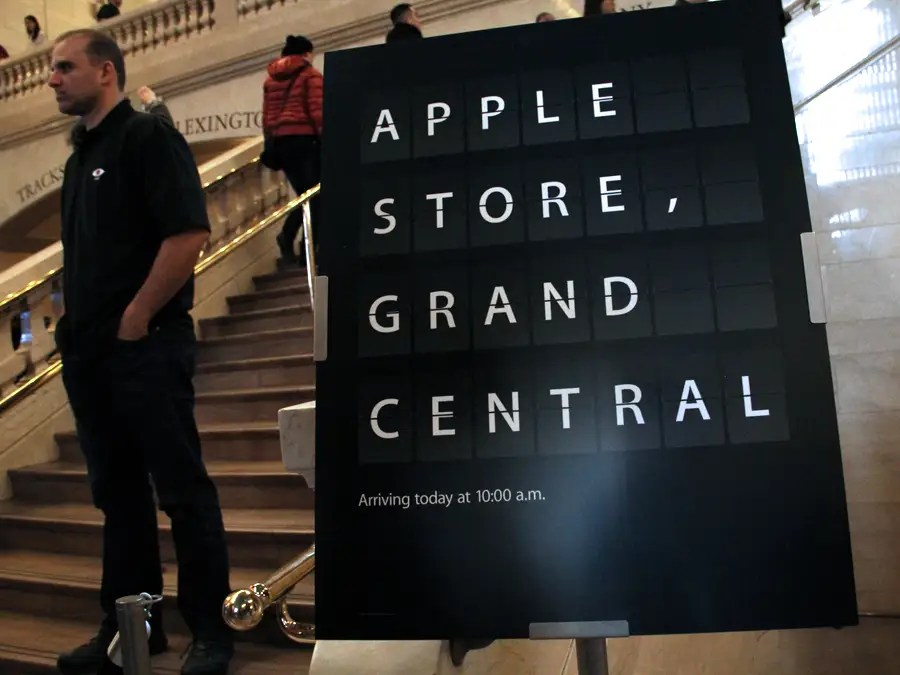 Welcome to the new Apple Store in Grand Central