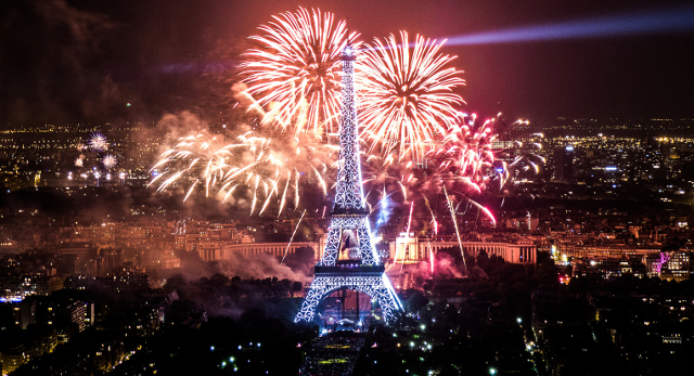 Feu-artifice-Paris-Tour-Eiffel-2013-5sm