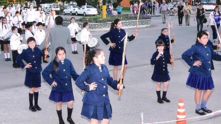Registro de desfile de banda Infanto Juvenil / Foto de Agencia Córdoba Cultura