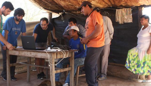 En Salta. Los estudiantes desarrollaron un proyecto en conjunto con la ONG Deuda Interna, y con la colaboración de la comunidad.