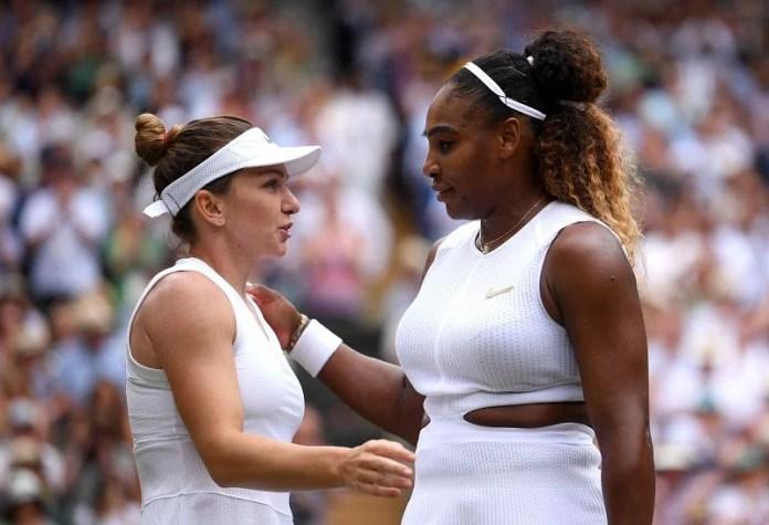 Simona Halep (L) and Serena Williams